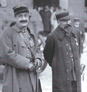 Pierre Bouchardon (links), die Mata Hari verhoorde en André Mornet, openbaar aanklager